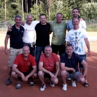 Tennis Herren 40 holen die Meisterschaft