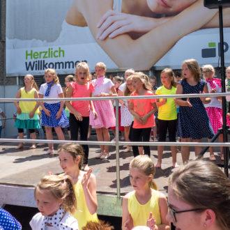 Tanzgruppen begeistern beim Tag der offenen Tür